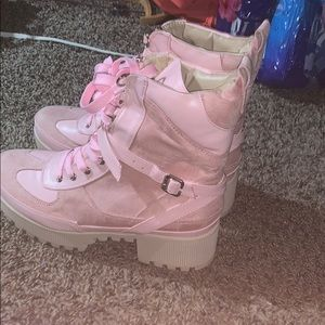Shoes - Pink boots never worn size 8